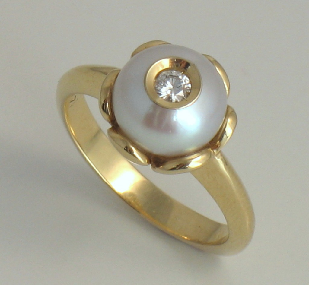 Hood River Jewelers Diamond In A Pearl In A Gold Lotus Flower Ring